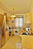 Кухня. Кипр, Ларнака город : Прекрасный апартамент недалеко от пляжа, с гостиной, двумя спальнями и балконом