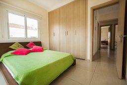 Спальня 2. Кипр, Каппарис : Прекрасная вилла с бассейном и зеленым двориком, 4 спальни, 3 ванные комнаты, барбекю, парковка, Wi-Fi