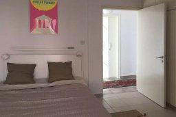 Спальня. Кипр, Пафос город : Прекрасный мезонет в комплексе с бассейном, 4 спальни, 4 ванные комнаты, приватный дворик, Wi-Fi