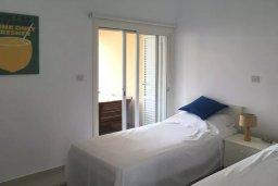 Спальня 2. Кипр, Пафос город : Прекрасный мезонет в комплексе с бассейном, 4 спальни, 4 ванные комнаты, приватный дворик, Wi-Fi
