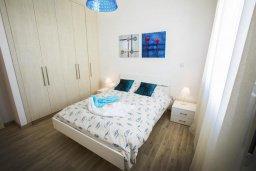 Спальня 2. Кипр, Хлорака : Современная вилла с бассейном и зеленым двориком, 3 спальни, парковка, Wi-Fi