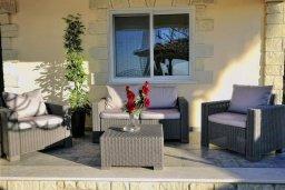 Патио. Кипр, Аргака : Роскошная вилла с видом на море, с 3-мя спальнями, с большим бассейном, беседкой и барбекю, расположена в тихом живописном месте в деревне Аргака