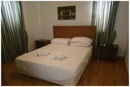 Спальня 3. Кипр, Корал Бэй : Восхитительная вилла с 4-мя спальнями, 3-мя ванными комнатами, с бассейном, солнечной террасой с патио, расположена в 300 метрах от пляжа Coral Bay beach