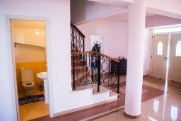 Туалет. Кипр, Декелия - Пила : Великолепная вилла с большим бассейном и зеленым двориком, 4 спальни, 2 ванные комнаты, парковка, Wi-Fi