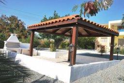 Территория. Кипр, Си Кейвз : Восхитительная вилла с 3-мя спальнями, с бассейном, зелёным двориком с барбекю и просторной верандой с бильярдом и видом на Средиземное море