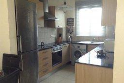 Кухня. Кипр, Ларнака город : Уютный апартамент с гостиной, двумя спальнями и балконом
