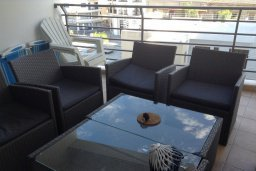 Балкон. Кипр, Ларнака город : Уютный апартамент с гостиной, двумя спальнями и балконом