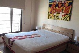 Спальня. Кипр, Ларнака город : Уютный апартамент с гостиной, двумя спальнями и балконом