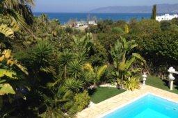 Вид на море. Кипр, Лачи : Роскошная вилла с бассейном и джакузи, 3 спальни, 2 ванные комнаты, барбекю, камин, парковка, Wi-Fi