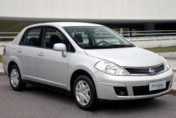 Nissan Tiida 1.6 автомат : Кипр
