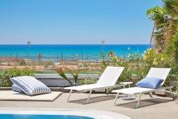 Вид на море. Кипр, Центр Айя Напы : Идеальная вилла с панорамным видом на Средиземное море, с 4-мя спальнями, с большим бассейном, солнечной террасой с lounge-зоной, каменным барбекю, расположена на побережье Ayia Napa