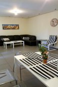Гостиная. Кипр, Нисси Бич : Роскошная вилла с бассейном и зеленым двориком с барбекю, 3 спальни, 2 ванные комнаты, парковка, Wi-Fi
