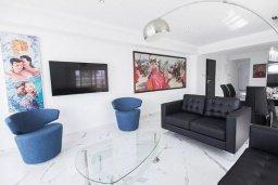 Гостиная. Кипр, Дасуди Лимассол : Роскошный апартамент в Лимассоле с потрясающим видом на море 3 спальни на первой береговой линии