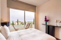 Спальня. Кипр, Св. Рафаэль Лимассол : Современная 2 спальная квартира с роскошным видом на море рядом с отелем Св. Рафаэль для 4-х гостей