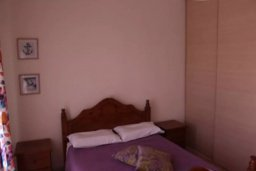 Спальня. Кипр, Гермасойя Лимассол : Апартаменты с 2-мя отдельными спальнями в комплексе с бассейном для 5-ти гостей