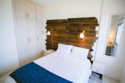Спальня. Кипр, Центр Лимассола : Просторная, комфортабельная, недавно отремонтированная квартира, идеально подходящая для путешествующих по работе и счастливых пар на 3-х гостей в Лимассоле