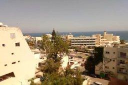 Вид на море. Кипр, Айос Тихонас Лимассол : Современные односпальные апартаменты с балконом с видом на бассейн и море всего в 2 минутах ходьбы от пляжа для 3-х гостей