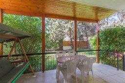 Терраса. Кипр, Айос Тихонас Лимассол : Уютная вилла с 3-мя спальнями для 7-ми гостей в Лимассоле с барбекю и садом в 5-х минутах ходьбы от пляжа для семейного отдыха