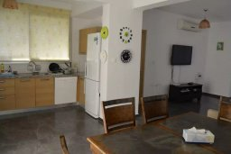 Гостиная. Кипр, Св. Рафаэль Лимассол : Современная вилла в стиле Hi-Tech с 4-мя отдельными спальнями для 8-ми гостей в престижном районе Лимассола.
