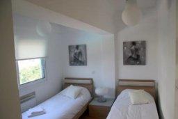 Спальня 2. Кипр, Дасуди Лимассол : Роскошный апартамент на берегу моря с 3-мя спальнями, расположен в комплексе с общим большим бассейном, детским бассейном и садом