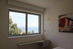 Спальня. Кипр, Центр Лимассола : Роскошные апартаменты на берегу моря, с 3-мя спальнями, в комплексе с бассейном, spa-центром и фитнес клубом