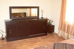 Спальня 2. Кипр, Св. Рафаэль Лимассол : Чудесная вилла с 3-мя спальнями, с бассейном, тенистой террасой с патио и барбекю