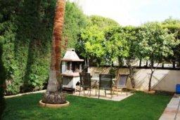 Территория. Кипр, Св. Рафаэль Лимассол : Симпатичная вилла с 3-мя спальнями, с бассейном, тенистой террасой с патио и барбекю