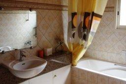 Ванная комната. Кипр, Св. Рафаэль Лимассол : Симпатичная вилла с 3-мя спальнями, с бассейном, тенистой террасой с патио и барбекю