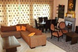 Гостиная. Кипр, Св. Рафаэль Лимассол : Симпатичная вилла с 3-мя спальнями, с бассейном, тенистой террасой с патио и барбекю
