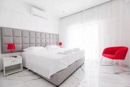 Спальня. Кипр, Центр Лимассола : Роскошные апартаменты с 5-ю спальнями для 10-ти гостей c потрясающим видом на залив Лимассола