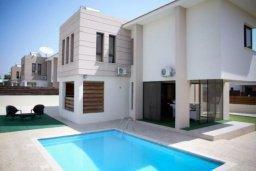 Бассейн. Кипр, Декелия - Пила : Прекрасная вилла с 4-мя спальнями, с бассейном и двориком, расположена в Ларнаке для 8-ти гостей