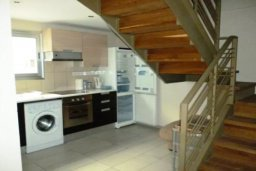 Кухня. Кипр, Гермасойя Лимассол : ДВУХУРОВНЕВАЯ квартира в комплексе с бассейном в Лимассоле в 50м от моря с 2--мя спальнями для 4 гостей