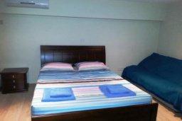 Спальня. Кипр, Гермасойя Лимассол : ДВУХУРОВНЕВАЯ квартира в комплексе с бассейном в Лимассоле в 50м от моря с 2--мя спальнями для 4 гостей