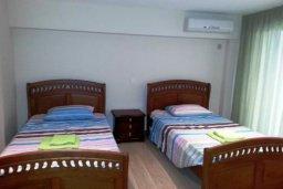 Спальня 2. Кипр, Гермасойя Лимассол : ДВУХУРОВНЕВАЯ квартира в комплексе с бассейном в Лимассоле в 50м от моря с 2--мя спальнями для 4 гостей