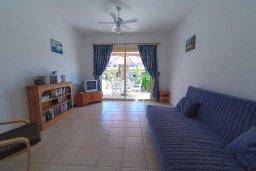 Гостиная. Кипр, Айя Марина : Прекрасный таунхаус с 2 спальнями, террасой с патио, расположен в комплексе с бассейном