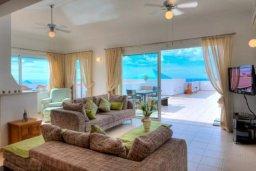 Гостиная. Кипр, Пейя : Уютные апартаменты с 3-мя спальнями для 5-ти гостей