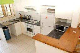 Кухня. Кипр, Пейя : Уютные апартаменты с 2-мя спальнями для 6-ти гостей всего в 300 метрах от моря