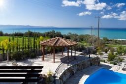 Беседка. Кипр, Помос : Роскошная вилла с террасой на крыше с панорамным видом на море, с 5-ю спальнями, с пейзажным бассейном, джакузи и lounge-зоной, расположена в горах Ayia Marina