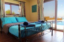 Спальня 2. Кипр, Лачи : Шикарная каменная вилла с панорамным видом на море, с 4-мя спальнями, с бассейном, джакузи, тенистой террасой с патио и с бильярдом