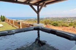 Развлечения и отдых на вилле. Кипр, Лачи : Шикарная каменная вилла с панорамным видом на море, с 4-мя спальнями, с бассейном, джакузи, тенистой террасой с патио и с бильярдом