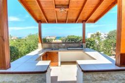 Беседка. Кипр, Лачи : Роскошное бунгало с террасой на крыше с панорамным видом на море и lounge-зоной, с 3-мя спальнями, с бассейном, джакузи, летней кухней и барбекю, расположено около пляжа Souli Beach