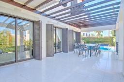Терраса. Кипр, Полис город : Роскошная вилла с террасой на крыше с потрясающим видом на море, с 3-мя спальнями, с бассейном, патио и барбекю, расположена в 100 метрах от пляжа Polis Beach