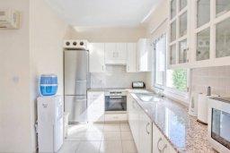 Кухня. Кипр, Полис город : Очаровательная вилла с 3 спальнями, с балконом, с тенистой террасой с патио и барбекю, в окружение зелёного сада