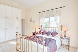 Спальня. Кипр, Полис город : Очаровательная вилла с 3 спальнями, с балконом, с тенистой террасой с патио и барбекю, в окружение зелёного сада