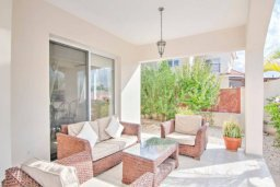 Патио. Кипр, Полис город : Очаровательная вилла с 3 спальнями, с балконом, с тенистой террасой с патио и барбекю, в окружение зелёного сада