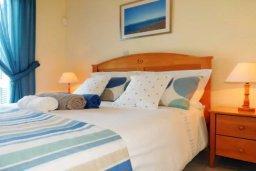 Спальня 2. Кипр, Лачи : Замечательная вилла с прекрасным видом на залив Chrysochou, с 3-мя спальнями, с бассейном, уютной террасой с патио, в окружение красивого ландшафтного сада