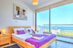 Спальня 2. Кипр, Лачи : Сказочная вилла с панорамным и беспрепятственным видом на залив Chryshochou и гавань Latchi, с 3-мя спальнями, с бассейном, уличным джакузи, барбекю и с потрясающей меблированной террасой на крыше