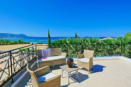 Территория. Кипр, Полис город : Современная и стильная вилла с панорамным видом на море, с 4-мя спальнями, 4-мя ванными комнатами, бассейном, меблированной террасой на крыше и барбекю, расположена всего в нескольких шагах от пляжа