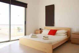 Спальня. Кипр, Скулли : Очаровательная вилла с 3 спальнями с для 6-ти гостей с бассейном и садом