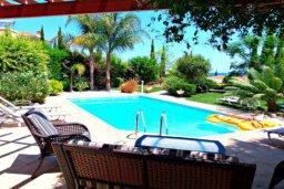Бассейн. Кипр, Лачи : Потрясающая вилла с 3-мя спальнями, с бассейном, красивым ландшафтным садом, тенистой террасой с патио и барбекю